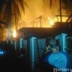 HarianNusa.com - Hotel Terbakar di Gili T